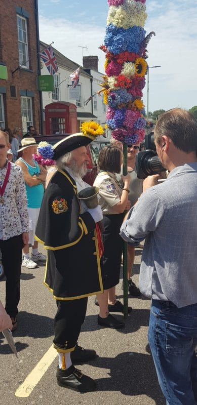Town Crier and Glove
